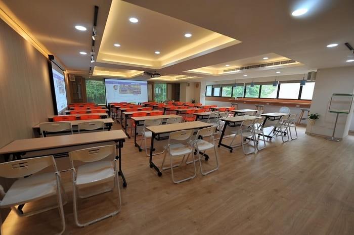 台中市文心路-台中會議室租借-教學場地空間-302會議室